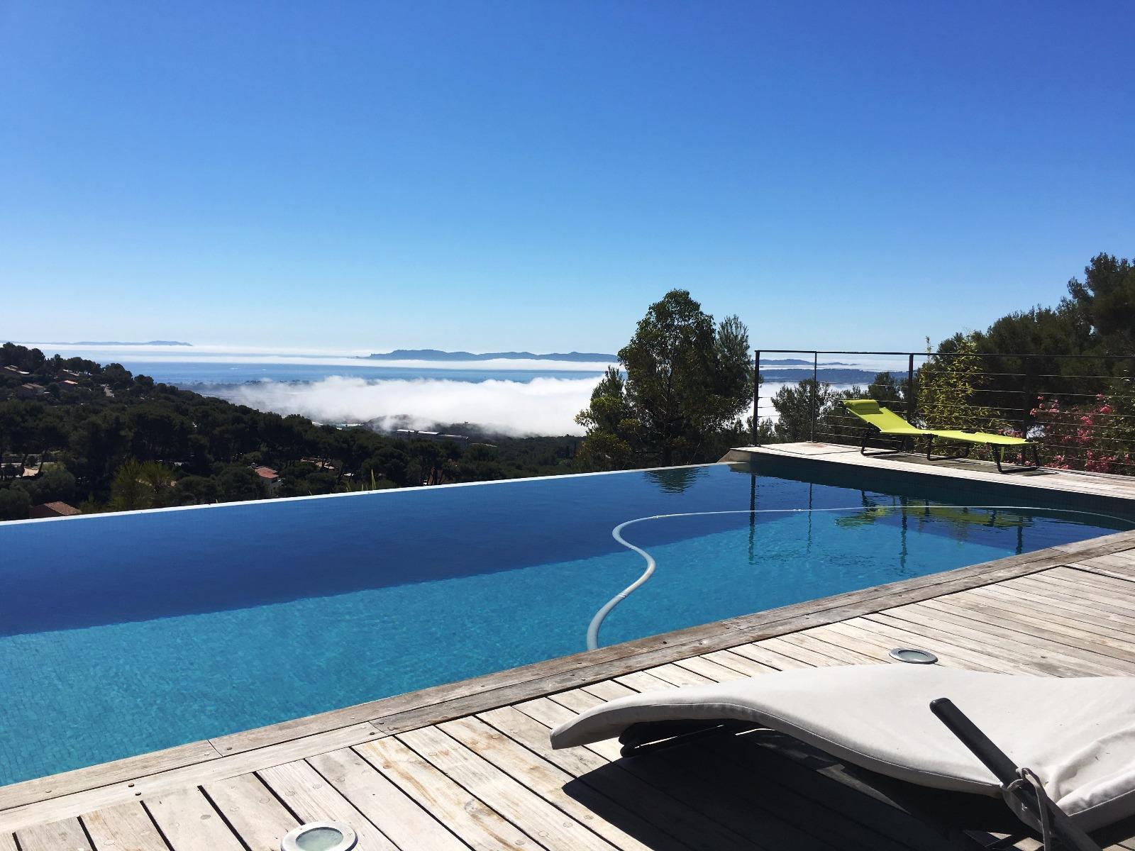 vente villa d 39 architecte de 292m avec vue exceptionnelle sur l le de porquerolles giens et la. Black Bedroom Furniture Sets. Home Design Ideas