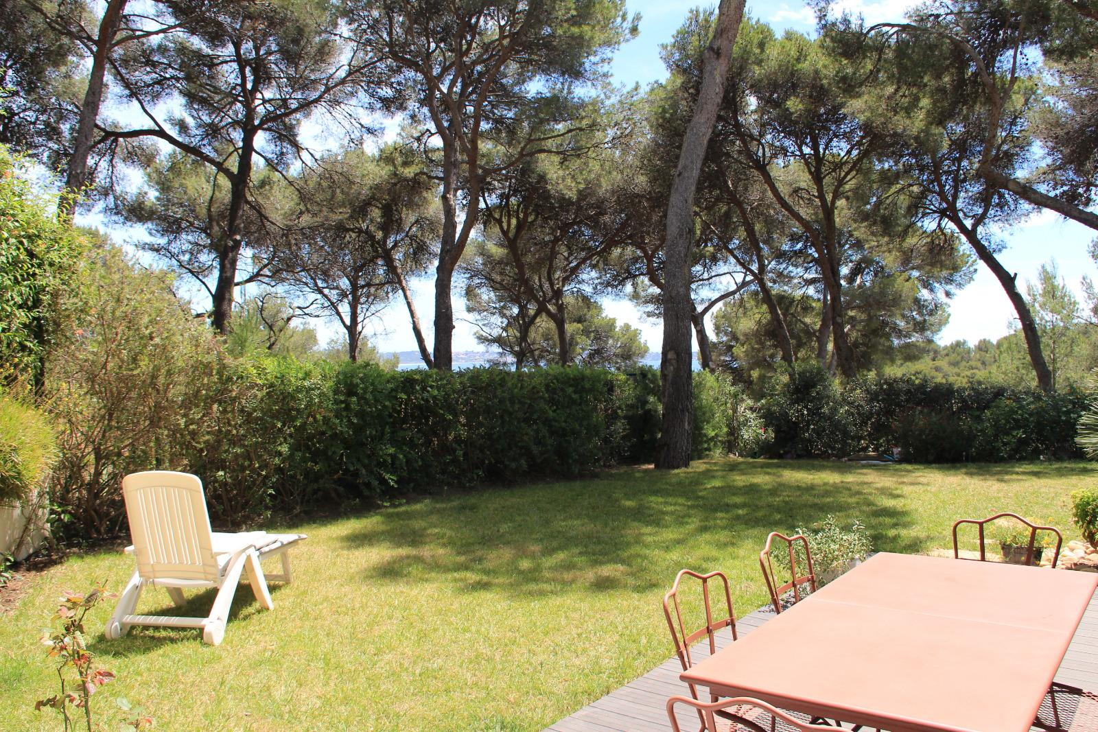 Vente t3 avec terrasse et jardin for Garage victoria toulon